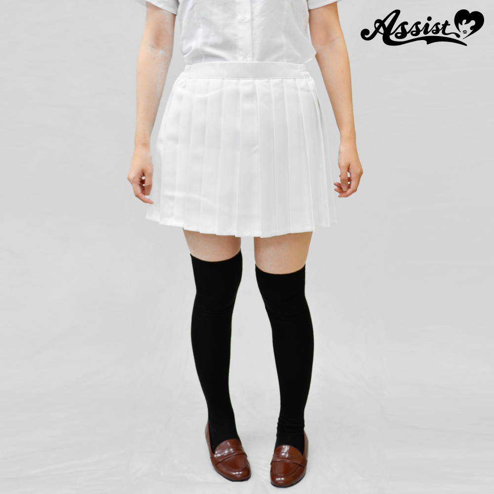 Size adjusted color pleated skirt White